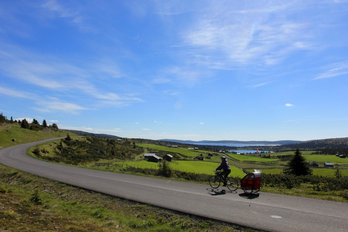 Biking with toddler in Norway I @SatuVW I Destination Unknown