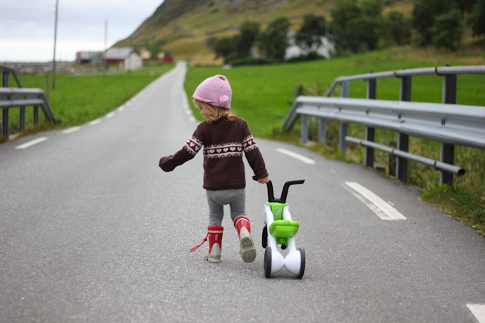 Biking with kids in Norway I @SatuVW I Destination Unknown
