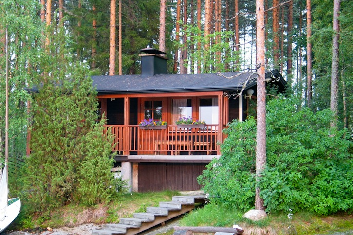 Finnish lakeside sauna I @SatuVW I Destination Unknown