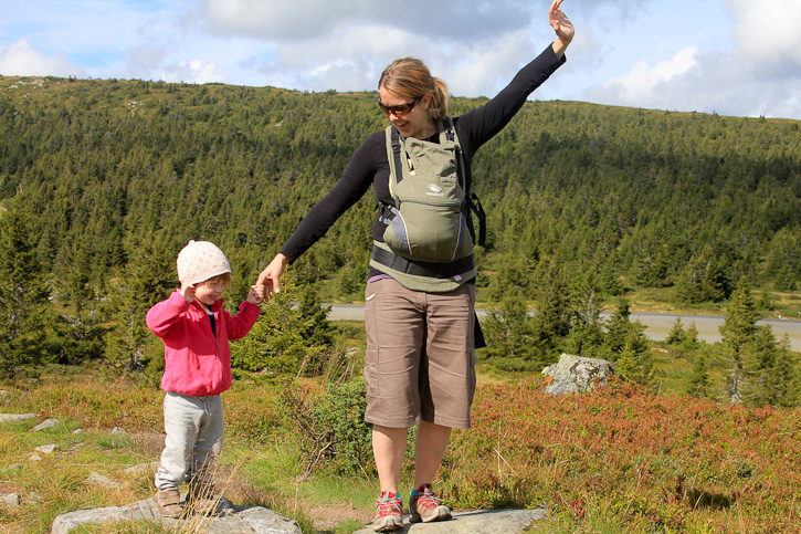 Hiking with kids in Norway I @SatuVW I Destination Unknown