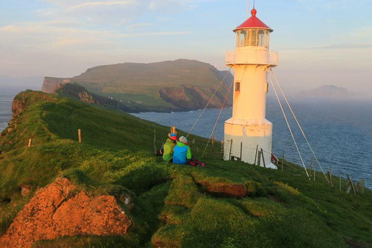 Mykines lighthouse I @ Kate Cornfield I Destination Unknown