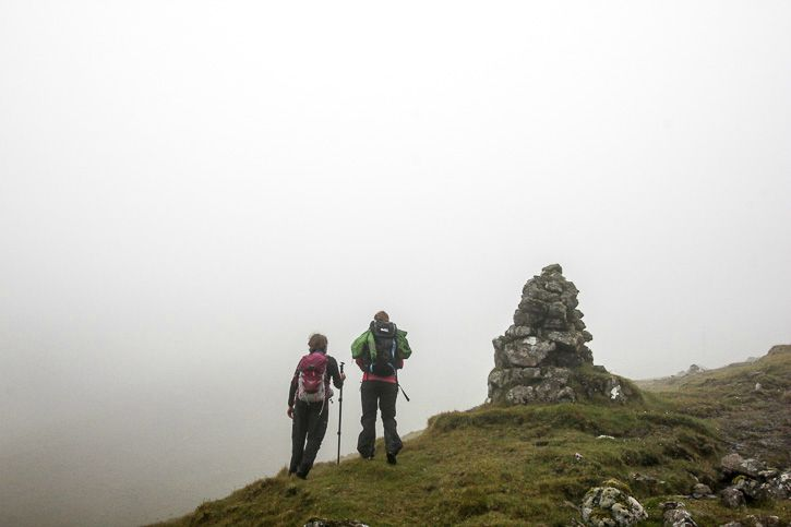 Hiking in fog in Faroe Islands I @SatuVW I Destination Unknown