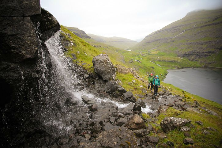Hiking in the Faroe Islands I @SatuVW I Destination Unknown